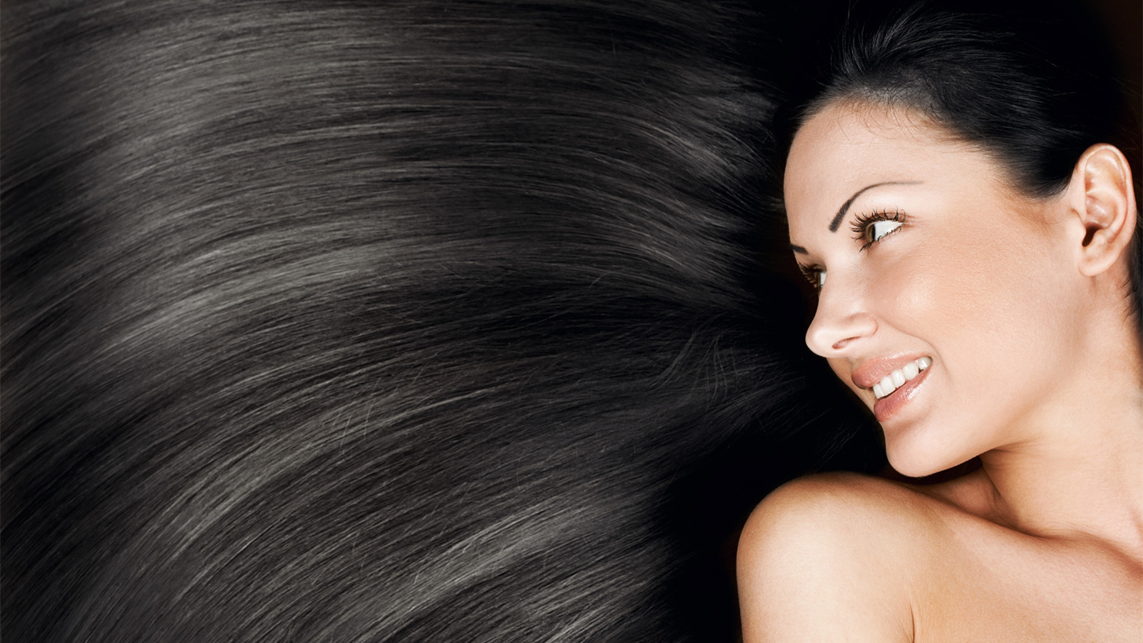 4 Easy Tricks To Make Your Hair Super Silky